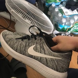 Nike lunar flyknits size 11
